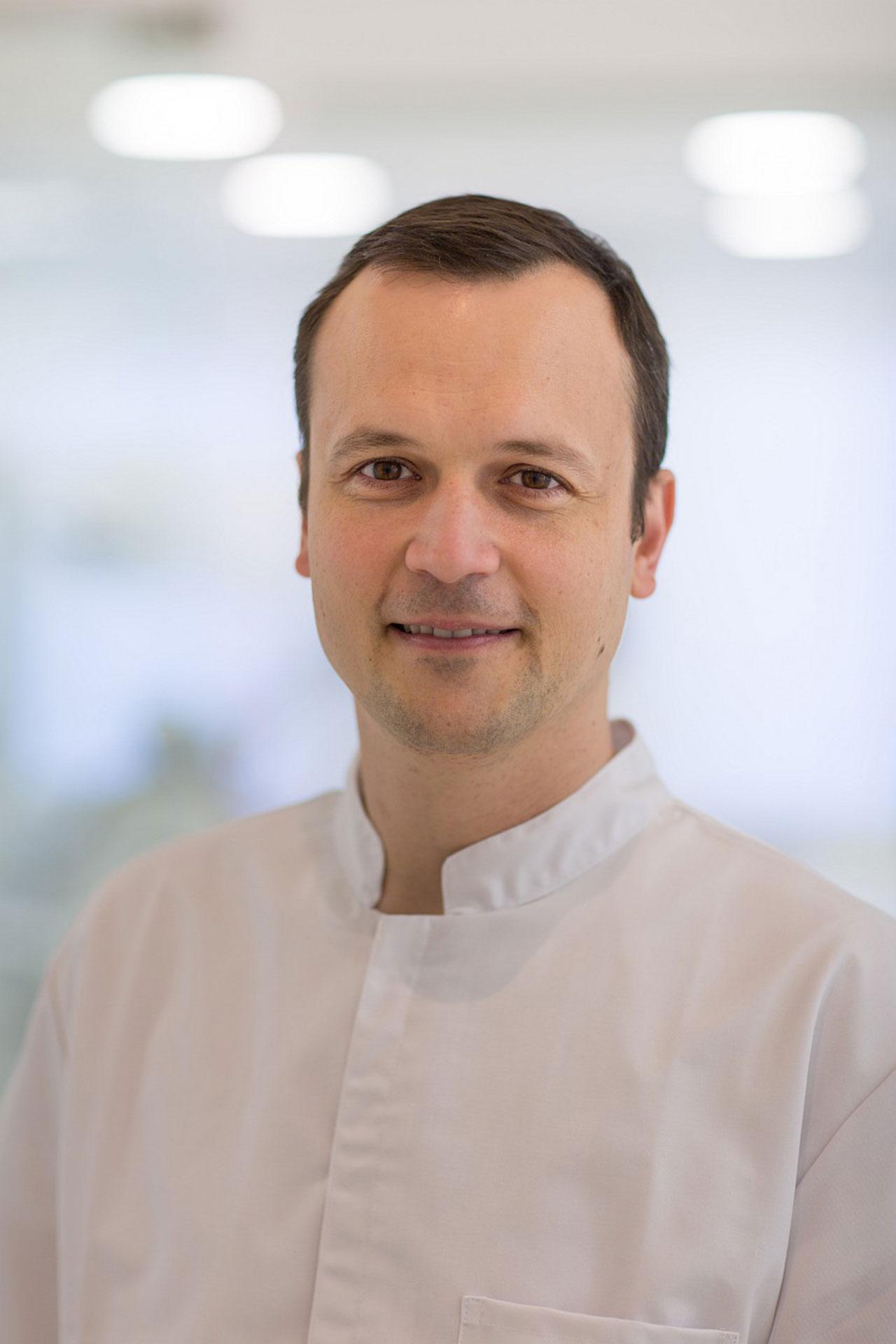 dr. Ernesto Nađ